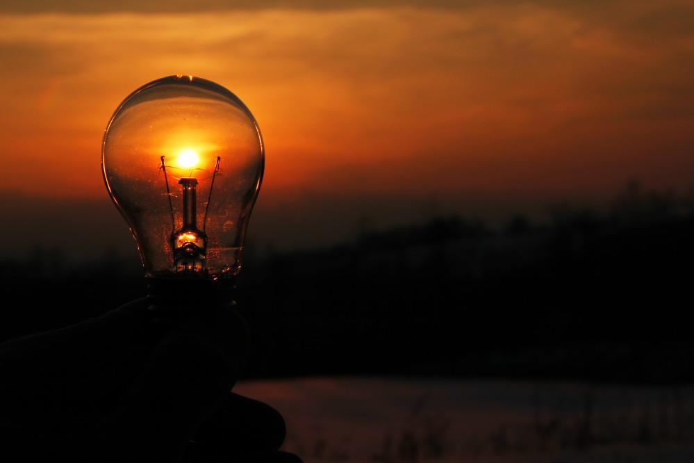 https://seekmediation.com/wp-content/uploads/2021/08/outdoors-sun-sky-silhouette-reflection-reflection-sunset-sunset-sunset-lake-hand-filament-bulb-health_t20_G4y4oe.jpg